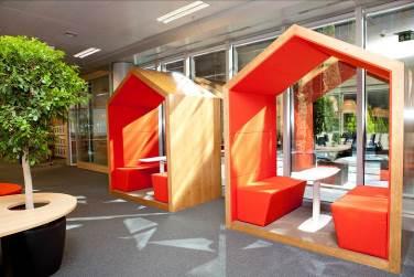 Orange inaugura su nueva oficina flexible en madrid for Oficina de orange