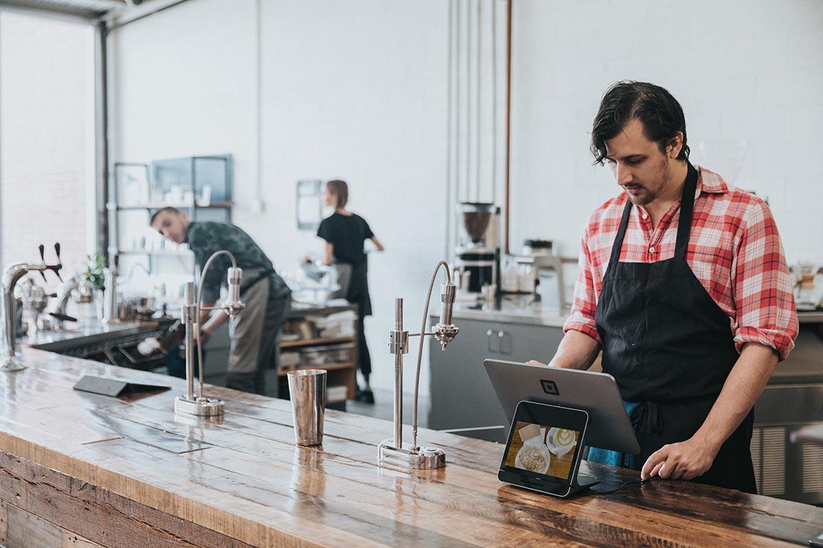 tecnología en una cafetería