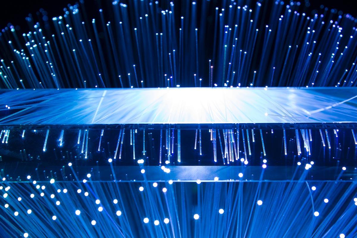 representación de un cable de fibra óptica